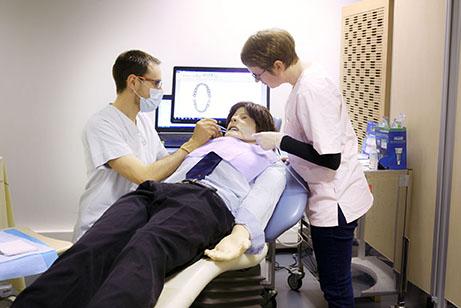 Le Simu gestion situation critique cabinet dentaire